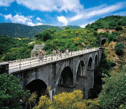 sports & nature in spain: explore its green routes