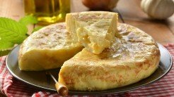 Tortilla de patatas, (source: ABC de Sevilla)