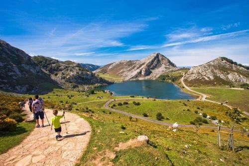 hiking picos de europa
